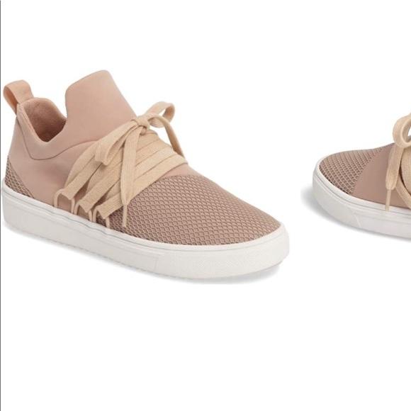 4f7119d807e13d Steve Madden Lancer Sneaker- size 6 (blush pink). M 5a5eb89bdaa8f6fc2db8259b